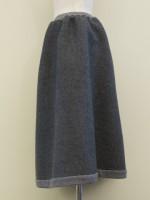Aラインフレアースカート 綾柄 背面斜画像