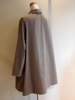 フレアーコート 高密度ツイル綿(グレー) 背面斜画像