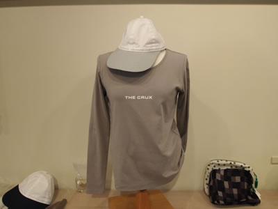 THE CRUX ロゴ入りTシャツ(婦人服,女性)の画像