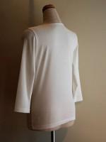 七分袖Tシャツ 丸首(オフ白) 背面斜画像