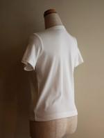 半袖Tシャツ 丸首(オフ白) 背面斜画像