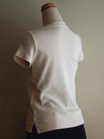 半袖Tシャツ Uネック 背面斜画像