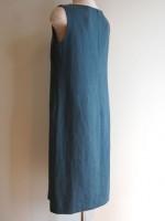 ノースリーブシフトワンピース(青緑)背面斜画像