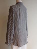長袖シャツカラーブラウス(グレー・紺)背面斜画像