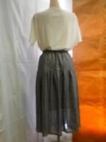 ボリュームスカート(オフ白・紺)背面画像