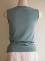 ボートネックノースリーブTシャツ(マリンブルー)背面画像